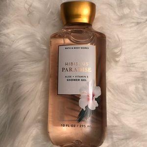 NWT Bath & Body Works Hibiscus Paradise Shower Gel